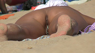 close-up big pussy on period voyeur beach video
