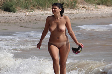 hot nude beach amateur milfs