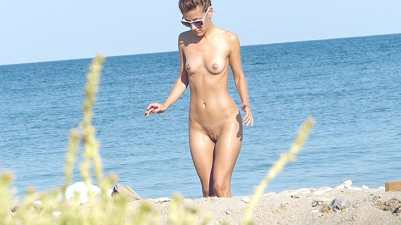 hot skinny nude females wet body voyeur beach